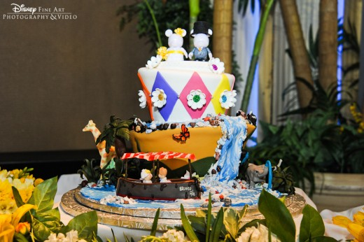 Wedding cake that looks like the Jungle Cruise attraction
